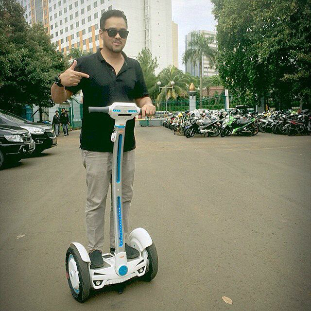 Product Specifics of Airwheel Two-wheeled Electric Scooter S3